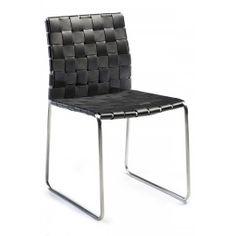 Designstoel - Bond - Gevlochten leder zwart - Dan-Form De designstoel Bond van Dan-Form krijgt een stoere look en feel door het gevlochten leder. De stoel is afgewerkt met een roestvrij stalen onderstel. De Bond stoel is verkrijgbaar in 3 kleuren leder. Zwart, beige en oranje.