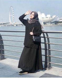 Moslem Fashion, Niqab Fashion, Modern Hijab Fashion, Hijab Fashion Inspiration, Stylish Hijab, Hijab Chic, Casual Hijab Outfit, Black Hijab, Girl Hijab