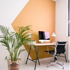 Fresh & Off Beat Home Office Design Ideas that's going to allow you to work from home in a stylish way. Inspire yourself with these modern Home Office decor Deco Design, Wall Design, House Design, Home Office Space, Home Office Decor, Office Ideas, Home Office Paint Ideas, Office Setup, Office Interior Design