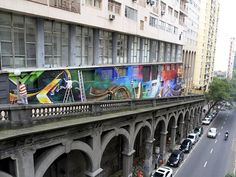 Viaduto Otávio Rocha ganha painel de graffiti em 3D