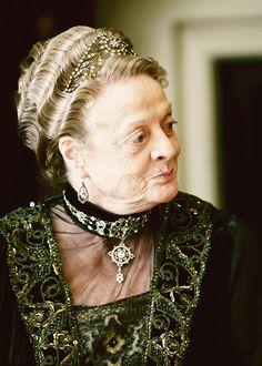 gorgeous details - Lady Violet | #DowntonAbbey #vintagefashion