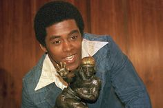 At the University of Pittsburgh, Tony Dorsett became an All-American, A National Champion, A Heisman Trophy Winner and was inducted into the College Hall of Fame. For booking information contact Sport Football, Football Fans, College Football, Panthers Football, Tony Dorsett, Nfl, Professional Football Teams, Johnny Manziel, Heisman Trophy
