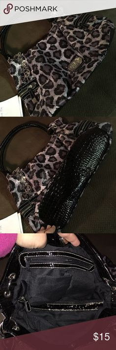 Snow leopard purse Black leather bottom and handles. Bags Shoulder Bags