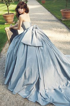 she is loveliness defined ! Blue Wedding Dresses, Wedding Gowns, Prom Dresses, Formal Dresses, Fantasy Dress, Beautiful Gowns, Dream Dress, Pretty Dresses, Bridal Gowns