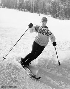 When a (fabulous) sweater is just enough — Penny Pitou enjoying some spring turns on April Photo: Loran Percy of Lakeport, NH Ski Vintage, Vintage Ski Posters, Vintage Travel, Alpine Skiing, Snow Skiing, Mode Au Ski, Ski Racing, Ski Lift, Ski Fashion