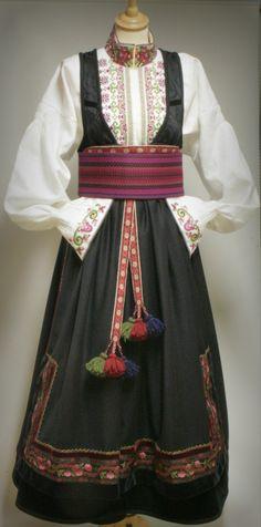 1cbab6d023f5 De 67 beste bildene for Bunader i 2019 | Folk costume, Norway og ...