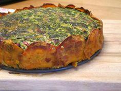 Glutenfreie Quiche mit Spinat, Speck und Süßkartoffel Low Carb, Primal Rezept | fettich.de
