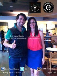con Alma Preciado (Wineux), terminando de checar proyectos!!! buena vibra!!! #chefcms #wineux #vino #culturadelvino #starbucks #hermosillo — en Starbucks Mexico