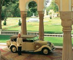Vintage Car Arrival