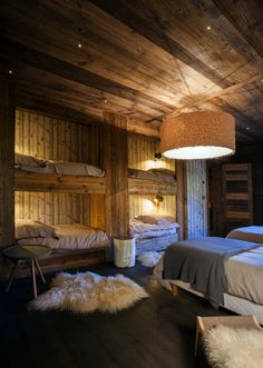 Chalet Bedroom With Bunk Beds Pinned By High Billinghurst Farm Wedding Venue Chalet Design, House Design, Chalet Style, Bunk Rooms, Bunk Beds, Basement Bedrooms, Cabin Homes, Log Homes, Chalet Interior