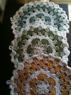 crochet pot holder/ trivet