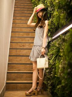 【nano・universe】 女の子なら誰でも憧れるギンガムチェックワンピースを主役にした着こなし。 http://zozo.jp/coordinate/?cdid=990618