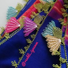 Crazy Quilt Blocks, Needle Lace, Crochet Keychain, Embroidery Designs, Cross Stitch, Knitting, Crafts, Instagram, Amigurumi