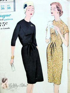 Late 1950s Slim Dress Pattern Deep V Shaped Front Yoke Vogue 9651 Vintage Sewing Pattern Bust 36