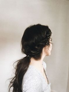 Tendance : Coiffure : FIVE AROUND-THE-HOUSE HOLIDAY HAIRDOS