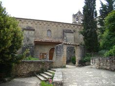 Guadalajara Buenafuente del Sistal monasterio entrada iglesia