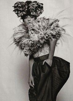 judith-orshalimian:  Dior haute couture fall 2007 by John Galliano worn by Irina Lazareanu :)