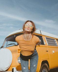 enchanting cars to score with the ladies, men should see! 10 « The Beauty Products Passat Vw, Volkswagen Minibus, Vw T1, Volkswagen Transporter, Vw Caravan, Bus Camper, Combi Hippie, Combi Ww, Bus Girl