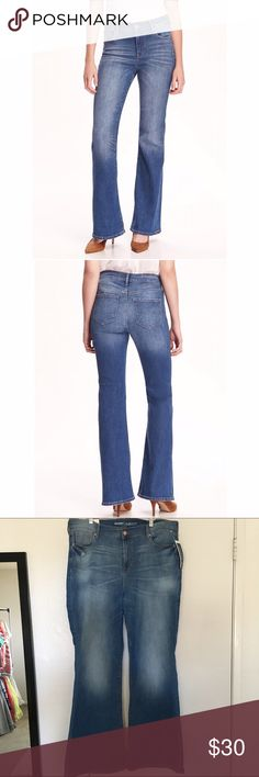 Old Navy flare jeans So cute! They're a lighter wash denim. High rise waist. Flare style. They are very comfortable and stretchy. 72% cotton, 27% polyester, and 1% spandex. New with tags. Old Navy Jeans Flare & Wide Leg