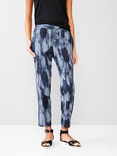 Printed Tencel&#174 jogger pants Product Image