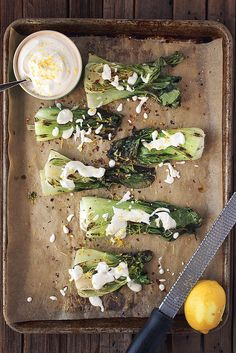 Roasted Baby Bok Choy with Lemon Garlic Cashew Cream // @tastyyummies // www.tasty-yummies.com