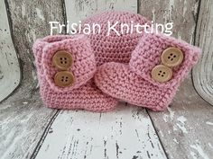Crochet baby booties baby uggs baby hat by Frisianknitting on Etsy