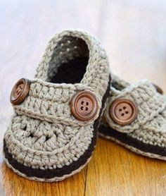 25 Baby Shoes Crochet Patterns – Baby Booties Gift - A More Crafty Life Crochet Boots Pattern, Crochet Baby Boots, Baby Shoes Pattern, Booties Crochet, Baby Girl Crochet, Crochet For Boys, Crochet Shoes, Baby Patterns, Crochet Patterns