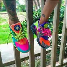 Look At These Nike Huarache Fly Shoes, Kicks Shoes, Cute Sneakers, Shoes Sneakers, Nike Huarache, Crazy Shoes, Me Too Shoes, Herren Outfit, Fresh Shoes