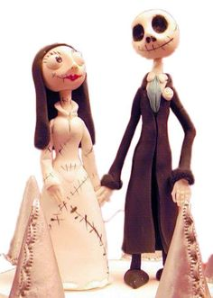 Topper for a Gothic wedding cake. Bride and groom doll and skeleton figures Wedding Cake Toppers, Wedding Cakes, Dummy Cake, Order Cake, Corpse Bride, Disney Characters, Fictional Characters, Gothic, Weird