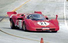Sebring Nino Vaccarella al volante della Ferrari Ferrari Racing, Ferrari Car, Sports Car Racing, Sport Cars, Auto Racing, Le Mans Series, Ferrari World, Gilles Villeneuve, Vintage Race Car