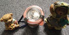 Hallo,   ich verkaufe hier zur Dekoration 2 Bären und eine Kuh im Glas.  Die Sachen sind in einem einwandfreiem Zustand.  Preis: 5,00€  Porto: 3,90€