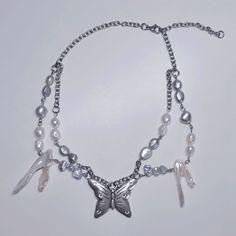 Diy Jewellery, Cute Jewelry, Jewlery, Handmade Jewelry, Jewelry Making, Beaded Necklaces, Diy Necklace, Pearl Necklace, Aesthetic Shop