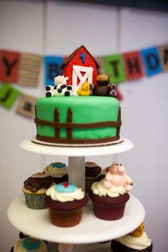 Barnyard Party cake