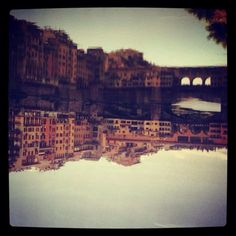 Riflessi di Firenze nel Fiume Arno