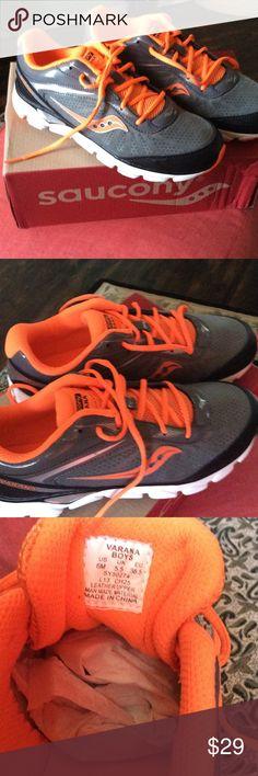 mizuno mens running shoes size 9 yeezy ultra amarillo