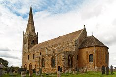 Brixworth Church, the largest Anglo-Saxon building in England. Wonderful atmosphere !