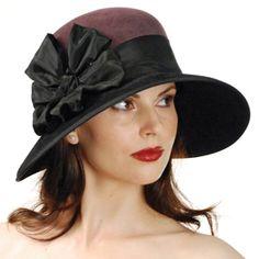 Brown hat with black trim and bow. Millinery Hats, Fascinator Hats, Fascinators, Headpieces, Bonnet Hat, Hats For Women, Ladies Hats, Fancy Hats, Love Hat