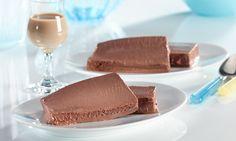 Halbgefrorene Crème de Chocolat - Eisige Schokoladen-Creme mit Whiskey-Sahne-Likör