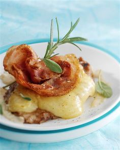Photo de la recette : Piccatas de veau à l'emmental, pancetta et saugePiccatas de veau à l'emmental, la pancetta et la sauge pour belle assiette !