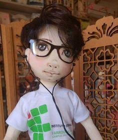 Boneco de pano personalizado. Soraia Flores.