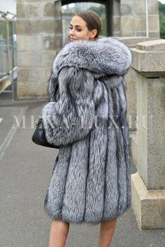 Fur Coat Fashion, Fox Fur Coat, Fur Jacket, Mantel, Sexy Women, How To Wear, Jackets, Clothes, Chinchilla