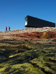 Fogo Island Long Studio by Saunders Architecture | HomeDSGN