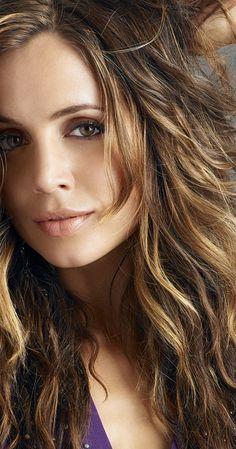 Eliza Dushku star of Buffy, Angel, Dollhouse, and True Lies, a modern classic beauty. Eliza Dushku, Buffy Summers, Pretty People, Beautiful People, Hello Beautiful, Lara Dutta, Exotic Women, Kirsten Dunst, Hot Brunette