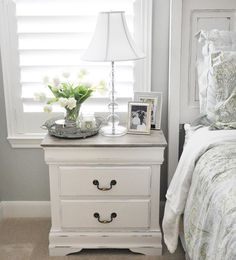 Nightstand Chalk Paint Tutorial — The Grace House (Diy Furniture Redo) Painted Bedroom Furniture, Shabby Chic Furniture, Furniture Dolly, Cottage Furniture, Decorating With White Bedroom Furniture, White Bedroom Furniture Rustic, Painting Wood Furniture White, Chalk Paint Tutorial, Painted Night Stands