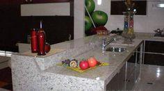 Granito Branco Dallas: Preço, Mancha? Veja Fotos! Granito Dallas, Home Decor, Black Banister, White Granite, Types Of Granite, Stains, Pictures, Decoration Home, Room Decor