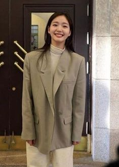 Kim Go Eun Style, My Style, Cool Street Fashion, Street Style, Suits For Women, Women Wear, Tennis Fashion, Simple Outfits, Fashion Outfits