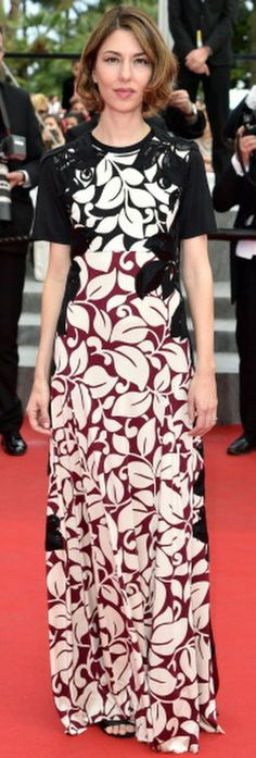 It's not a dress any woman could easily pull off, but Sofia Coppola and Drew Barrymore both gave it a shot and succeeded. Sofia Coppola attended the Palme d'O… Elle Fanning, Beautiful Dresses, Nice Dresses, Formal Dresses, Sofia Coppola Style, Cannes Film Festival 2014, Bianca Balti, Chanel Couture, Atelier Versace