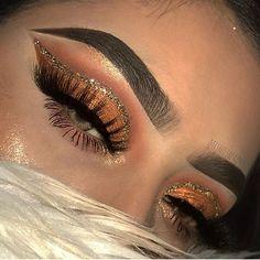 Gorgeous Makeup: Tips and Tricks With Eye Makeup and Eyeshadow – Makeup Design Ideas Makeup Eye Looks, Cute Makeup, Eyeshadow Looks, Gorgeous Makeup, Pretty Makeup, Skin Makeup, Eyeshadow Makeup, Brown Eyeshadow, Makeup Brushes