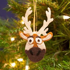 Is Frozen near and rein-dear to your family's heart? Celebrate the magic this holiday season by crafting this fun, decorative version of Kristoff's best pal, Sven. It's the perfect ornament for any Christmas tree! Frozen Christmas Tree, Disney Christmas, Christmas Holidays, Holiday Fun, Christmas Gifts, Reindeer Christmas, Frozen Ornaments, Felt Christmas Ornaments, Handmade Christmas