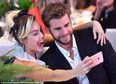 cool Miley Cyrus And Liam Hemsworth Just Attended Their First Public Event In Three Years And It Was Cute AF Liam Hemsworth And Miley, Miley And Liam, Chris Hemsworth, Miley Cyrus Gif, Rekindle Romance, Famous Couples, Children In Need, Forever, Pop Singers